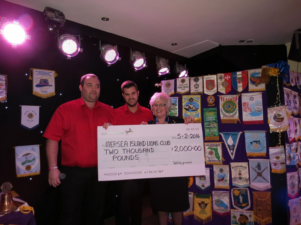 Waldegraves Holiday Park donation to Mersea Island Lions Club – photo Colin Kimble
