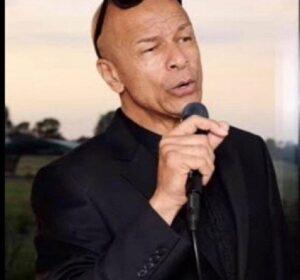 Male Vocalist – Alton Edwards